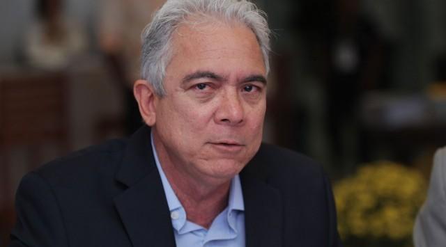 JAMES CORREIA
